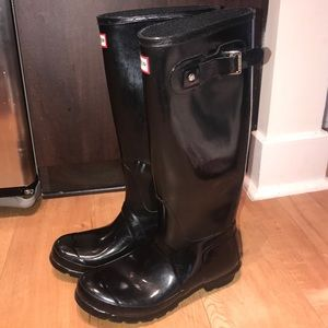 Hunter Black Tall Gloss Rain Boots